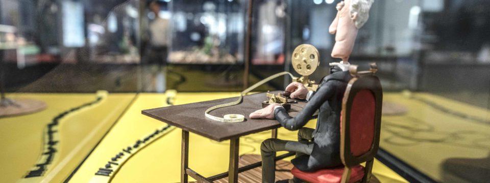 La historia de la Ciencia se moldea en plastilina en el Museo Elder