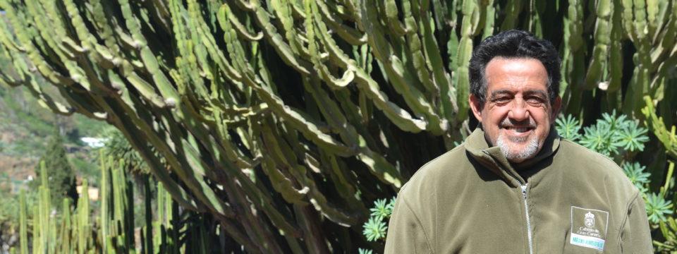 """""""Yo entiendo el Jardín Canario como algo mío, lo cuido porque se lo debo a quienes estuvieron antes que yo y me enseñaron todo lo que sé"""""""