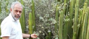 Eugenio-Reyes-en-el-Jardín-Botánico-Canario-Viera-y-Clavijo-Unidad-Asociada-CSIC-1024x450
